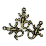 10 x Antique Bronze Lizard Charm Pendants